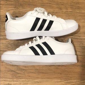 Adidas sneaker W size 9